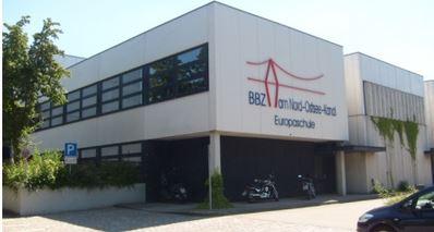 Hauptgebäude BBZ am Nord-Ostsee-Kanal, Europaschule