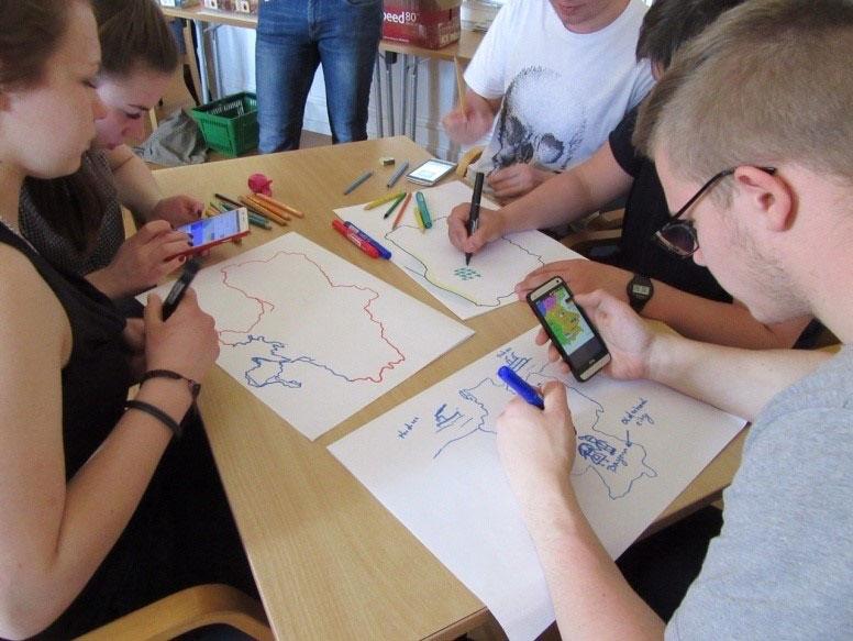 Schüler in Gruppenarbeit